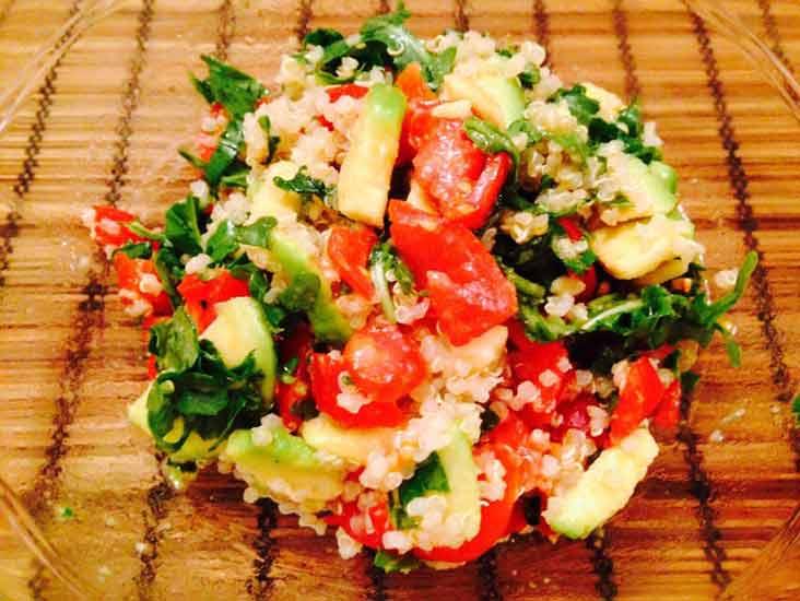 Quinoa-con-avocado-e-rucola