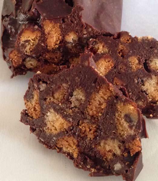 Ricette ghiotte per celiaci: salame di cioccolato con biscotti di miglio – by Gabriella