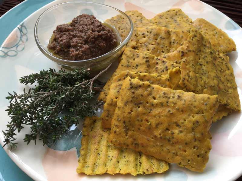 Ricette ghiotte per celiaci: cracker di miglio con lenticchie rosse - by Gabriella